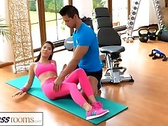 FitnessRooms Gym teacher pulls down her yoga pants for lovemaking