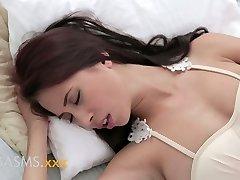 CLIMAXES Young busty asian indian girl romantic breeding
