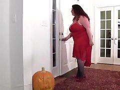 Full figured mom home invaded