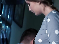 Ukrainian seductress Lena Reif is penetrated by brutal guy Ian Scott