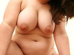 Fat beauty gets her tit jiggling while getting banged
