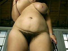 Anal beads in her booty and still toying
