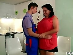She loves his skinny body and the hot BBW makes the repair guy feel good with her cunt