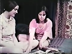 Lezzie Peepshow Loops 641 60's and 70's - Gig 8