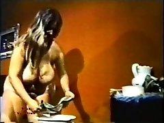 Big Tit Maratón 129 de la década de 1970 - Escena 4