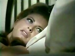 Intercourse hungry wifey lures her sleeping hubby kissing his ear