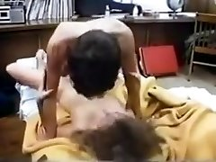Big-titted college babe has great sex in 80s dorm room