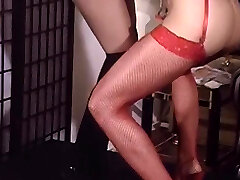 Perfect ass lezzie babes turn around for anal dildo fucking