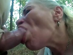 Pumped cock use scanty hooker mouth and throat in forest