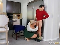 Ryan Keely & Ricky Spanish in Munching Out for Thanksgiving - BRAZZERS