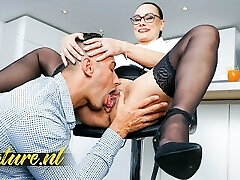 Hot Assistant Eva May Is Ready To Squirt & Gets Creampied