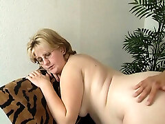 Pregnant mature doll wants to get fucked properly