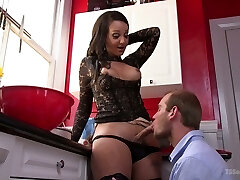 T-girlfriend Sunshyne Monroe nails mouth and brown sphincter of bisexual boyfriend