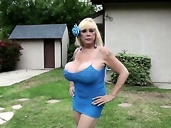 Huge titted mature lady gives titjob Point Of View