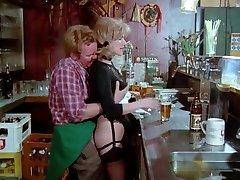 Schulmadchen Pornoa (1976) kanssa Gina Janssen