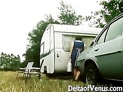 Retro Porn 1970s - Wooly Brunette - Camper Coupling