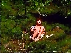 Retro - Female masturbates outdoor