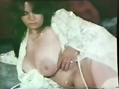Glamour Nudes 526 50's to 70's - Scene 1