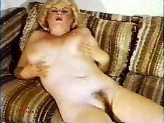 Large Tit Marathon 130 1970s - Scene 2