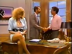 Hussy secretary gets her poon pounded on the boss's table