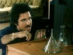 THE Ash-blonde NEXT DOOR (1982)