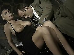 Italian babe does arse-to-mouth in this antique clip