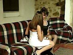 Gabriela (Marina) e Isabel - A lesbo affair of a Portuguese maid.