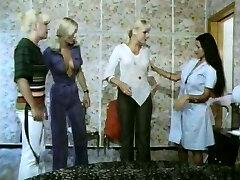 Viisi tyttöä kuuma kuin laava