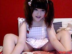 teen littlekittyamber playing on live webcam - 6cam.biz