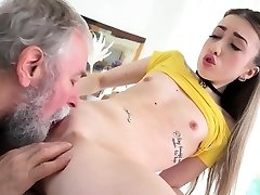 Old Goes Young - Cute Vlada splits open her long legs