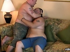 Southern Grizzly and Cubby Cox - BearFilms
