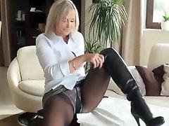 Hot milf in pantyhose nn display