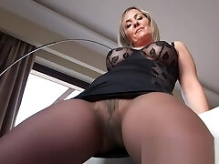 Hot mature showing pantyhose