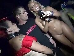 naken offentligt på klubben