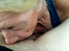 Granny grabs an afternoon PROTEIN wiggle, yummy 🤤
