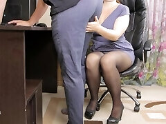 Teen damsel boss seduced her employee and gave him cum in panties