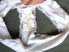 Quick wank in friends wife's white panties