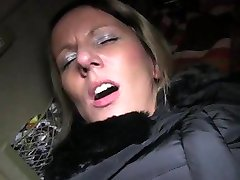 FakeTaxi Blonde gets her kit off in taxi cab