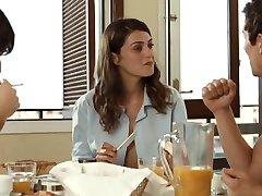 Dieta mediterranea (Threesome erotic scene) MFM