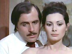 Edwige Fenech - La signora gioca bene en scopa (1974)