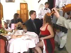 zuzanna gangbang în restaurantul de troc