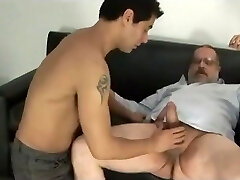 Daddy bear penetrate younger guy