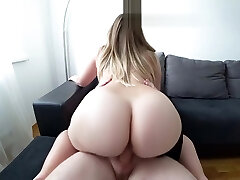 A young girl with a big ass penetrates after a bathroom