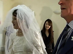 Fuck The Bride. English First-timer