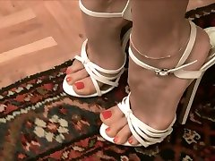 Very sexy white high heels --- Sexys tacones blancos