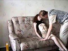 Mršavi tinejdžer выебанная