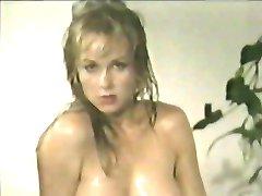 80s Oil Wrestling 2