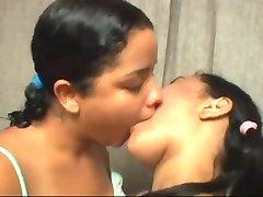 ninas brasilenas besandose rico