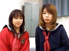 Japāņu FFM trijatā, motelis istabā