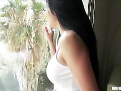 Sexy amateur Latina Makayla Marie gives a great suck & fuck